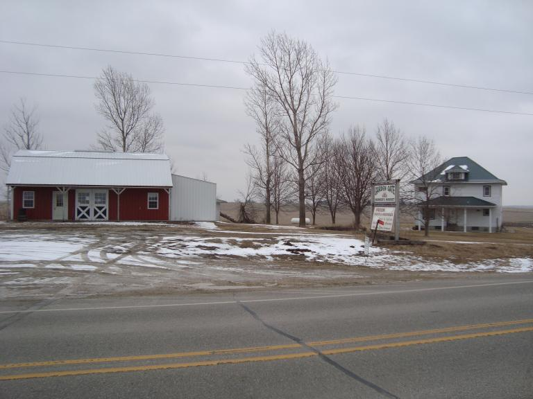 Acreage with Income Potential!