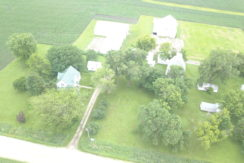 Eastern Iowa Acreage!
